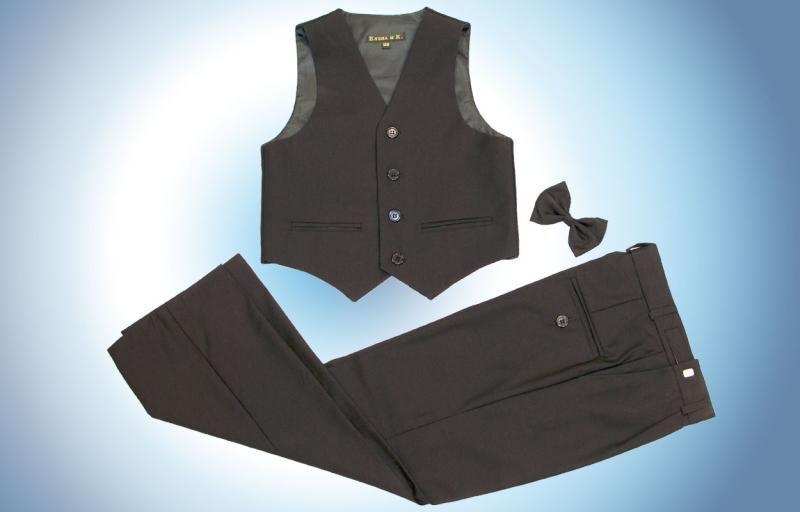 Комплект из брюк, жилетки и бабочки для мальчика черного цвета